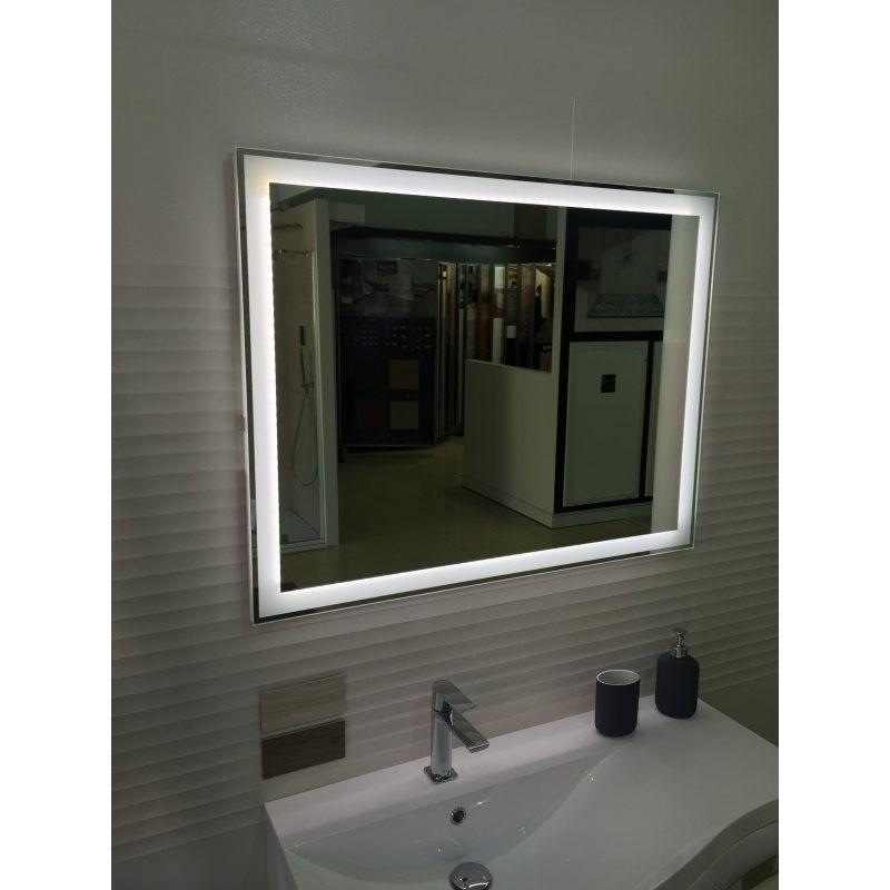 Espejo retroiluminado Incluido.