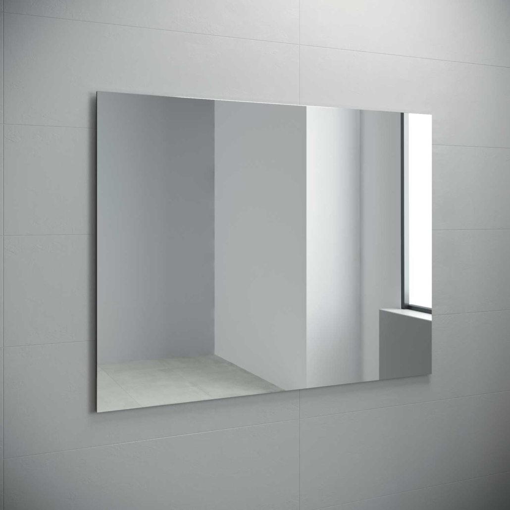 Espejo luna lisa sobre tablero